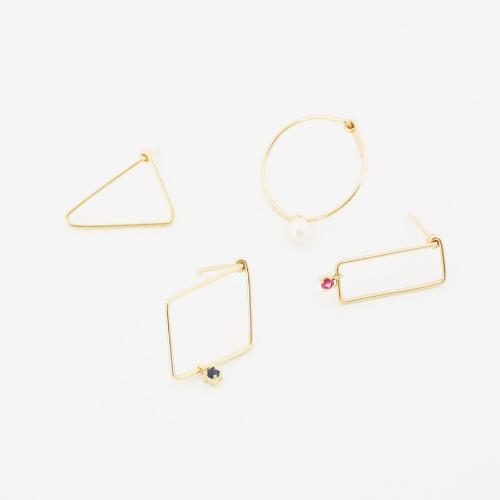 K18ゴールドの宝石の線曲げピアス